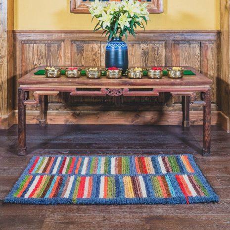 Multi color sheep wool hand made carpet interior